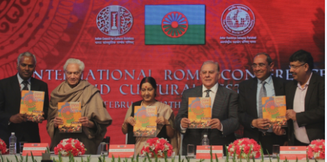 Smt Sushma Swaraj and Jovan Damjanovic at the International Roma Conference and Cultural Festival 2016